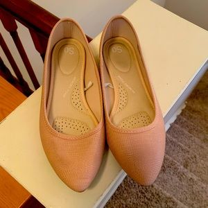 Women's Shoes, size 7